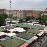 Die Aussicht vom Market Deluxe Zimmer auf den Viktualienmarkt.