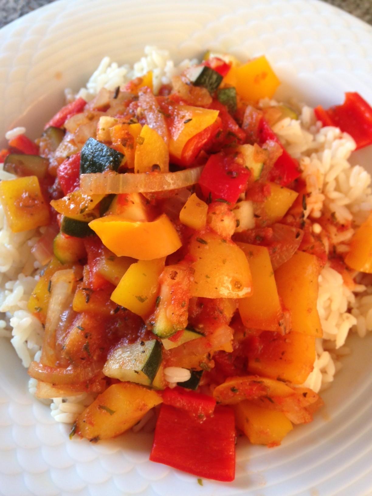 Baby, es gibt Reis! Ratatouille mit Reis (vegan)