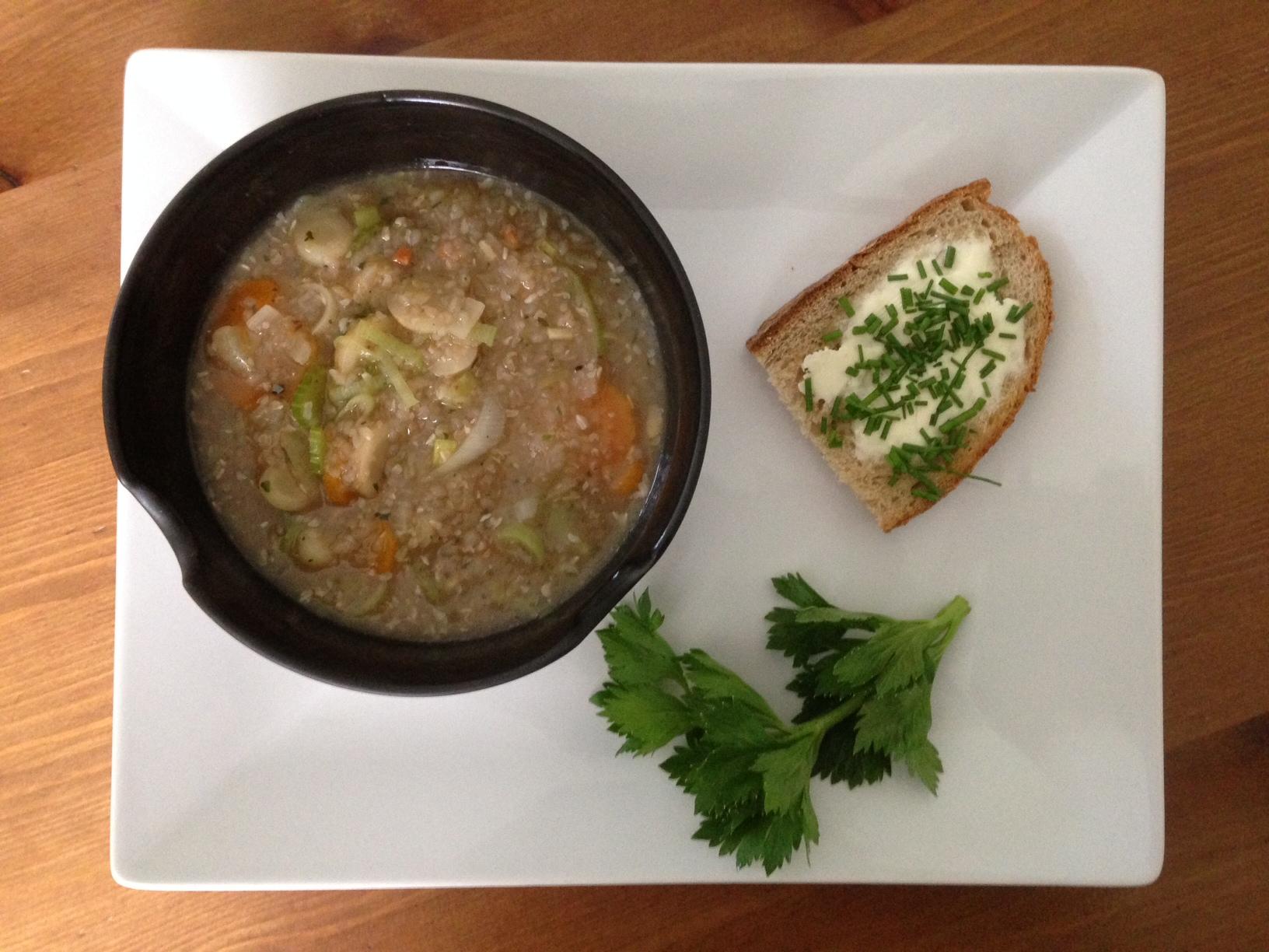 Für Regentage: Buchweizensuppe mit Gemüse (vegan)