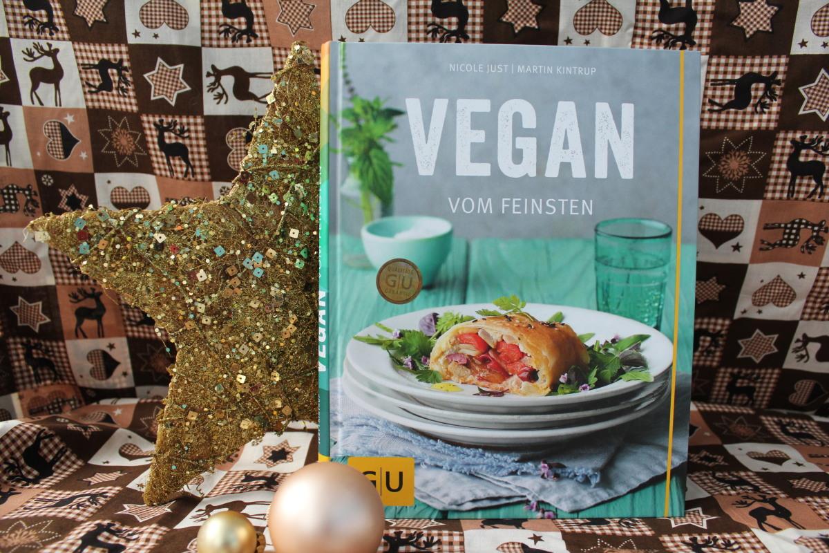 """1. Dezember: Kochbuch """"VEGAN VOM FEINSTEN"""" von Nicole Just und Martin Kintrup"""
