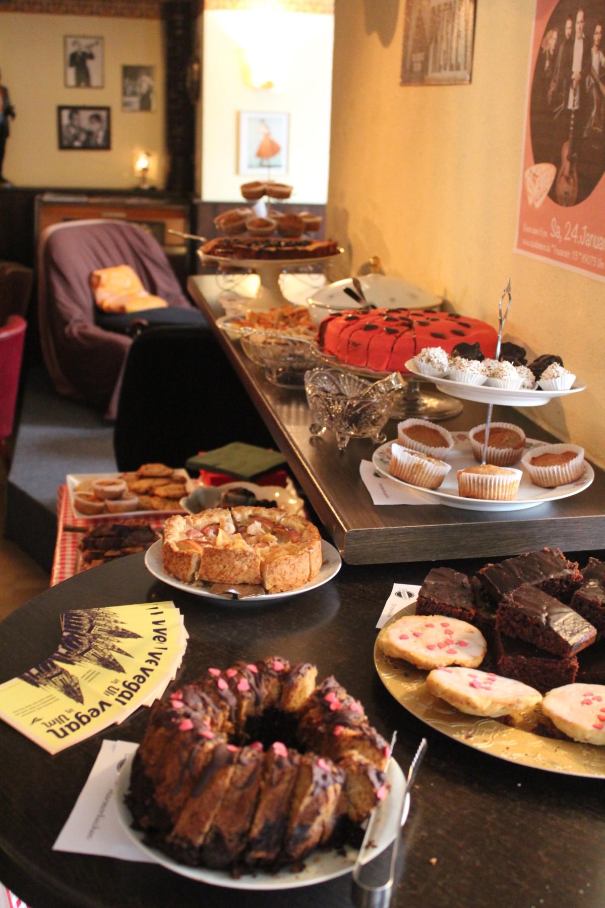 Again: Vegan-all-you-can-eat-Kaffeeklatsch – 15. März 2015