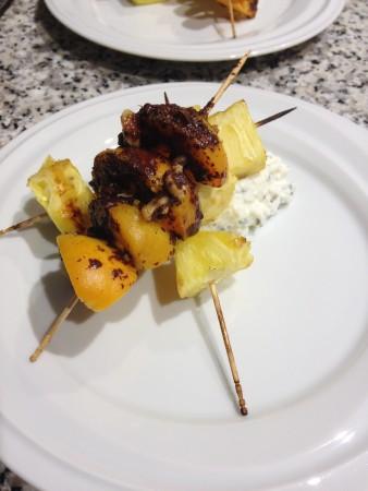 Gegrilltes Obst mit Maccadamiacreme