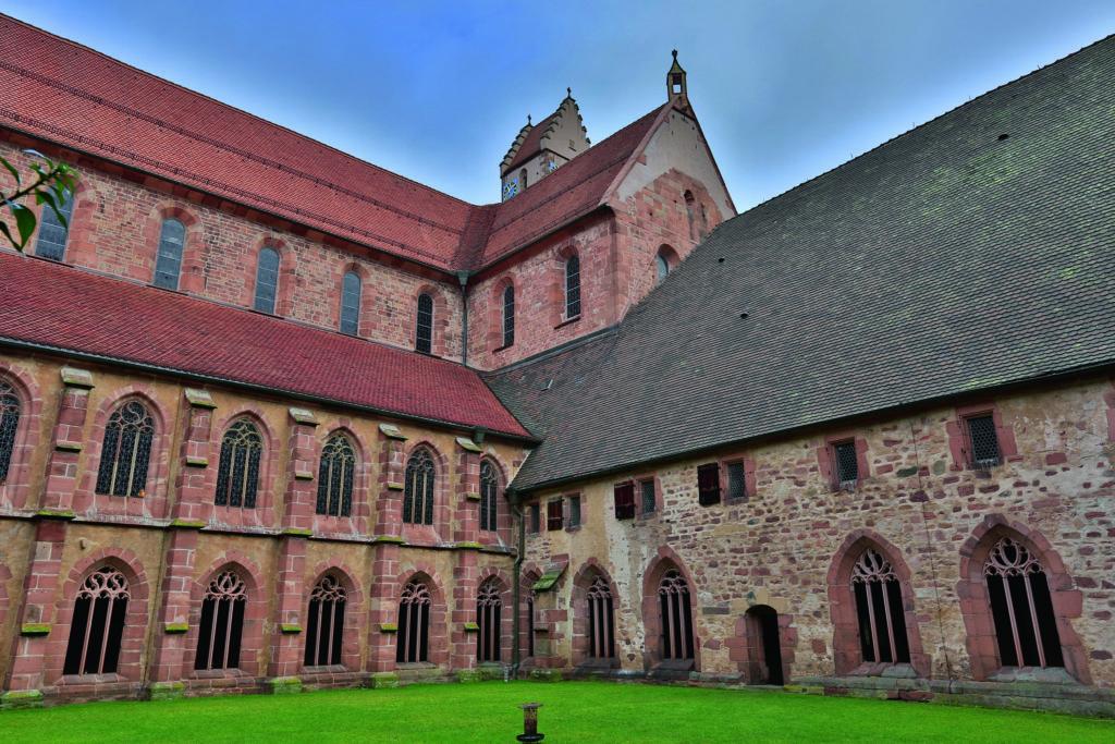 Kloster Alpirsbach - Kreuzgang mit Kreuzgarten, Quelle: Staatliche Schlösser und Gärten Baden-Württemberg