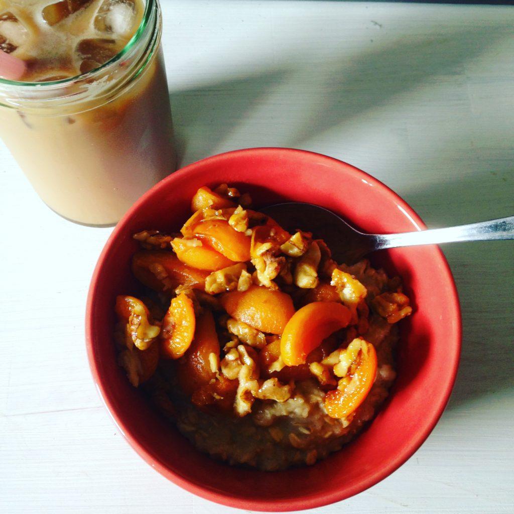 Sei kreativ bei deinem Porridge! Es klappt eigentlich mit allen Früchten!