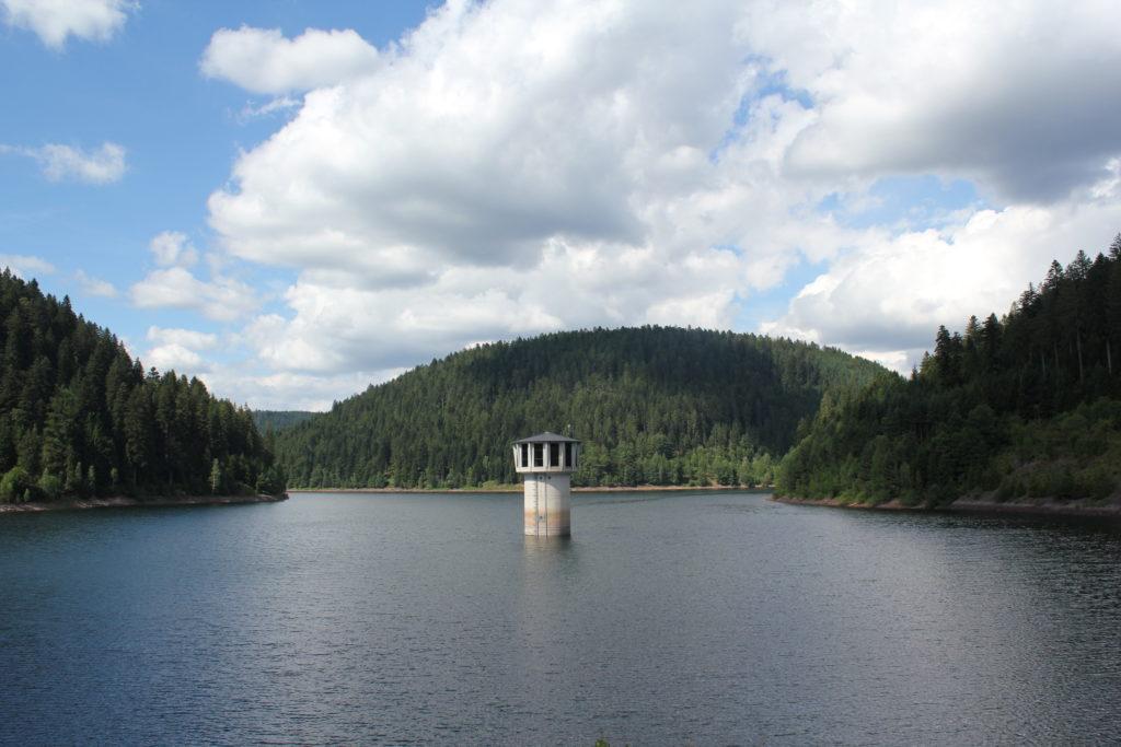 Der Stausee am Schwarzwälder Wasserpfad