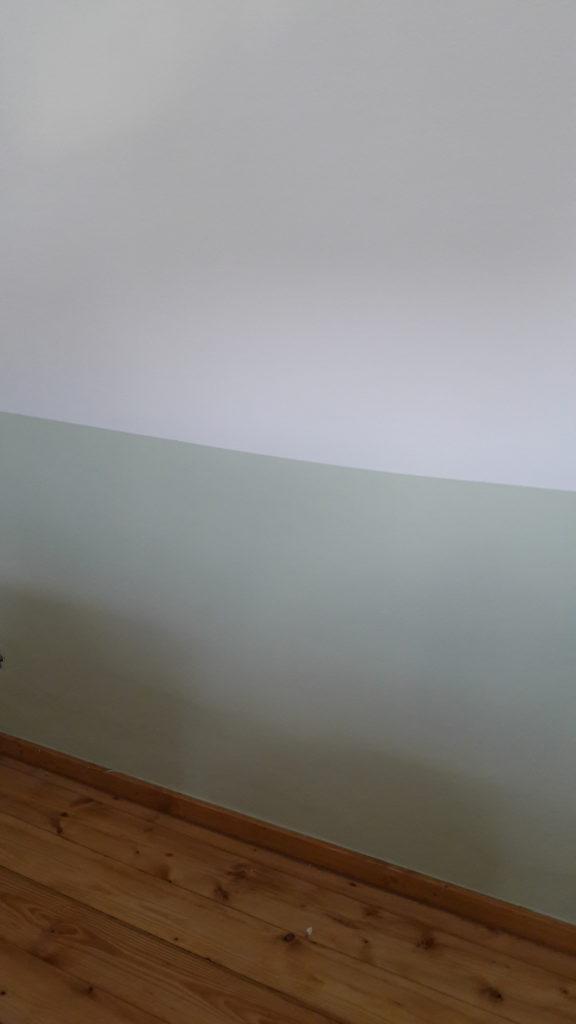 Schritt 1: Wandfarbe grün und weiß