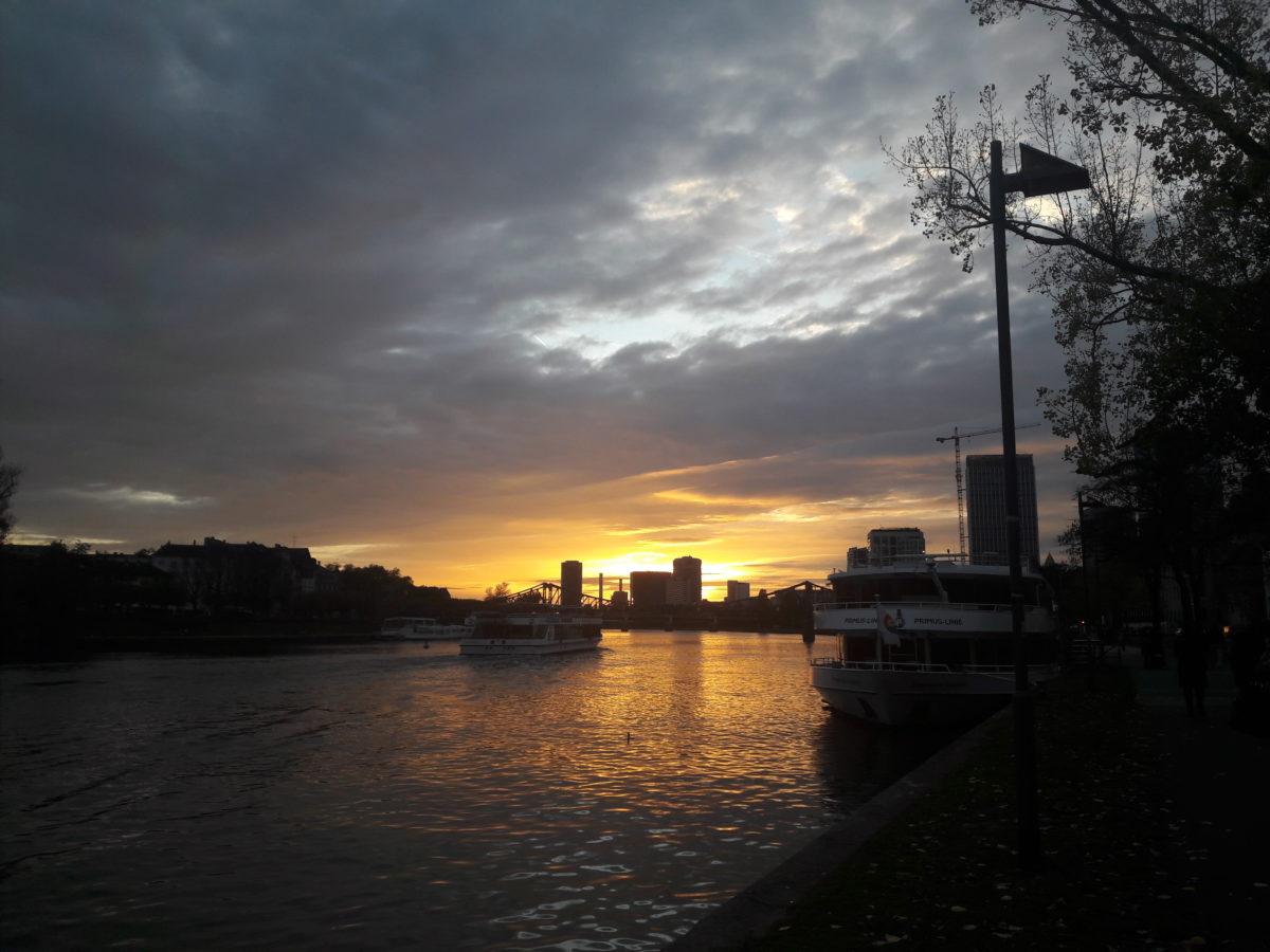 Warum ich Frankfurt jetzt doch leiden kann – 1 Nacht im MOTEL ONE Frankfurt East Side