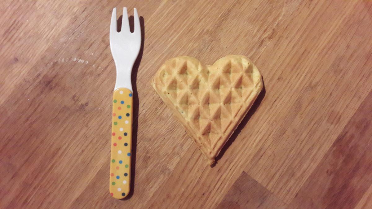MAMA MONDAY: Kochen für die Familie – Rezept für herzhafte vegane Waffeln (BLW)