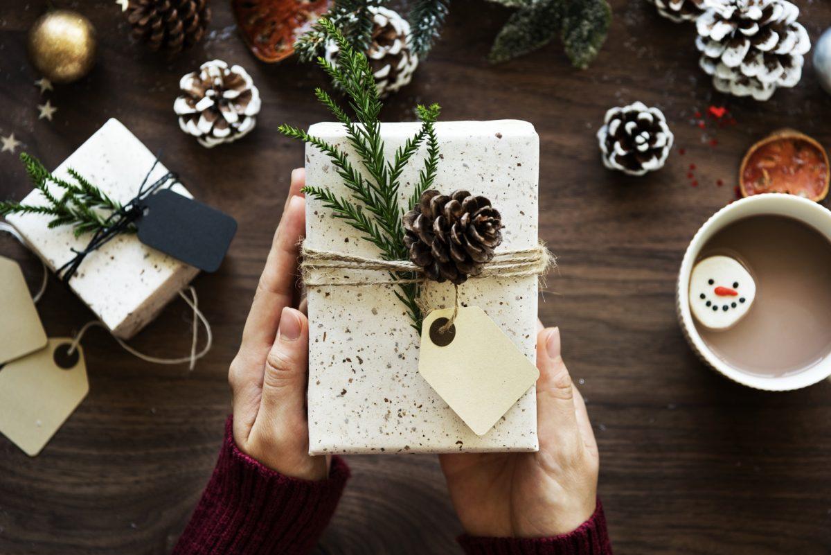 POCKET KOLUMNE: Weihnachten steht vor der Tür – Geschenkideen für Weihnachtsgeschenke mit Hirn