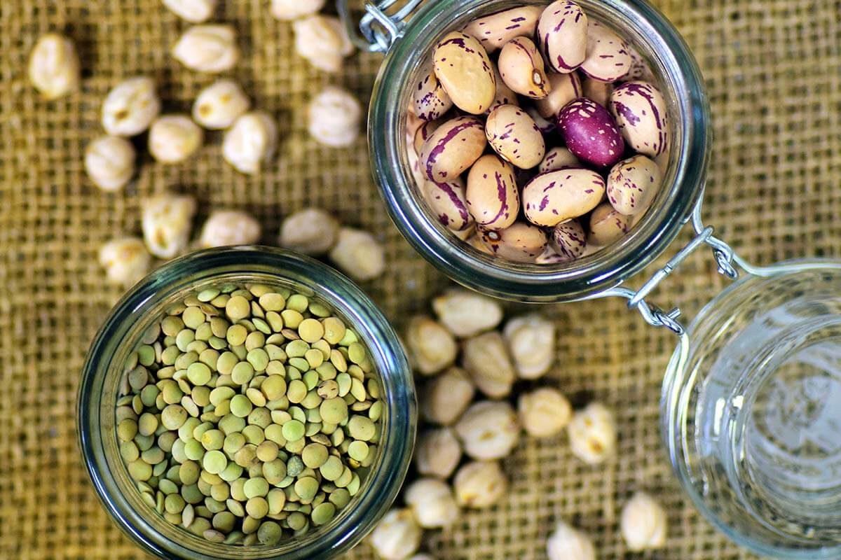 Variantenreich und lecker: Pflanzliche Eiweißquellen für Veganer (Gastartikel)