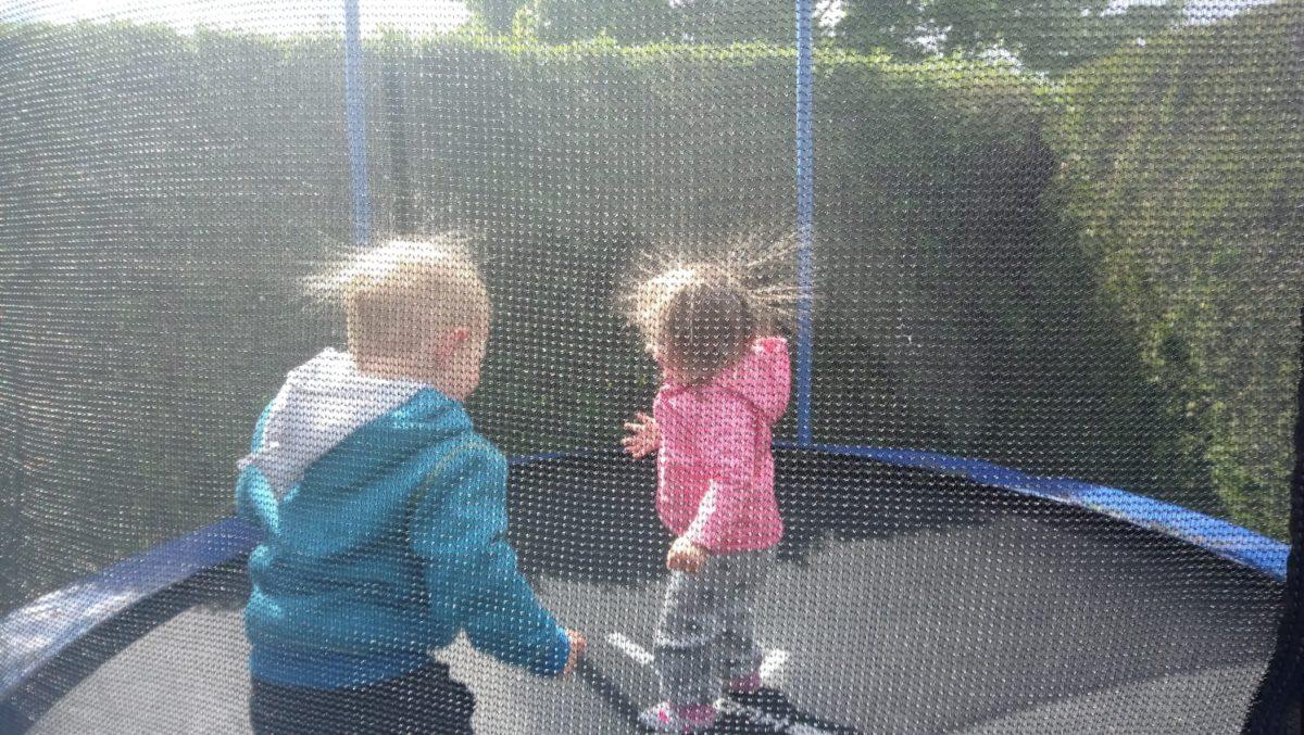 Das Ingroundtrampolin: für mehr Spaß im heimischen Garten